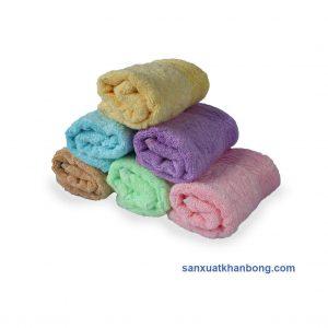 Đơn vị SX:Công ty TNHH Sản xuất dệt may Tuấn Anh  Màu sắc:Cam,Vàng, Xanh dương, Nâu, Xanh lá,...  Chất liệu:70% bamboo 30% cotton  Kiểu dáng:Phong phú, đẹp, thiết kế theo yêu cầu  Kích thước: 28*48