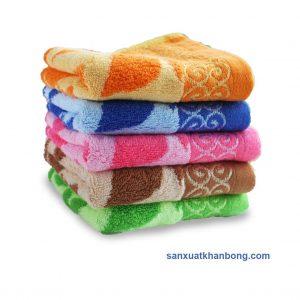 Đơn vị SX:Công ty TNHH Sản xuất dệt may Tuấn Anh  Màu sắc:Xanh dương, Nâu, Hồng, Cam, Xanh lá...  Chất liệu:50% bamboo 50% cotton  Kiểu dáng:Phong phú, đẹp, thiết kế theo yêu cầu  Kích thước:28*48