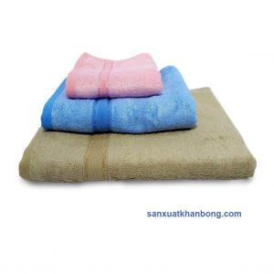 Đơn vị SX:Công ty TNHH Sản xuất dệt may Tuấn Anh  Màu sắc:Tím,Vàng, Xanh dương, Nâu, Hồng,...  Chất liệu:70% bamboo 30% cotton  Kiểu dáng:Phong phú, đẹp, thiết kế theo yêu cầu  Kích thước:28*48; 35*80; 60*1,2m