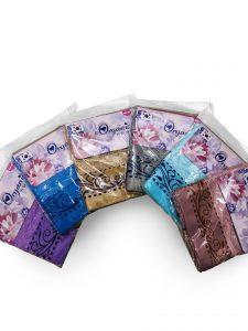 Đơn vị SX:Công ty TNHH Sản xuất dệt may Tuấn Anh  Màu sắc:Cam,Vàng, Xanh dương, Nâu, Xanh lá,…  Chất liệu:Cotton 100%  Kiểu dáng:Phong phú, đẹp, thiết kế theo yêu cầu  Trọng lượng: 70gram  Kích thước: Kt 30x50 cm