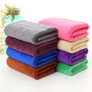Sản phẩm: Khăn spa, thẩm mỹ viện  Công dụng: Sử dụng làm Khăn gội, khăn quấn đầu, quấn tóc.  Chất liệu: Microfiber (75% polyester, 25% polyamide)  Màu sắc: Trắng, vàng, hồng, xanh blu, xanh gre…(Quý khách cuộn xuống mô tả để xem bảng màu)  Kích thước: ( Có thể cắt theo yêu cầu từng đơn hàng)  In, thêu theo yêu cầu Nhận in, thêu logo, banner, tên spa, thẩm mỹ viện lên khăn