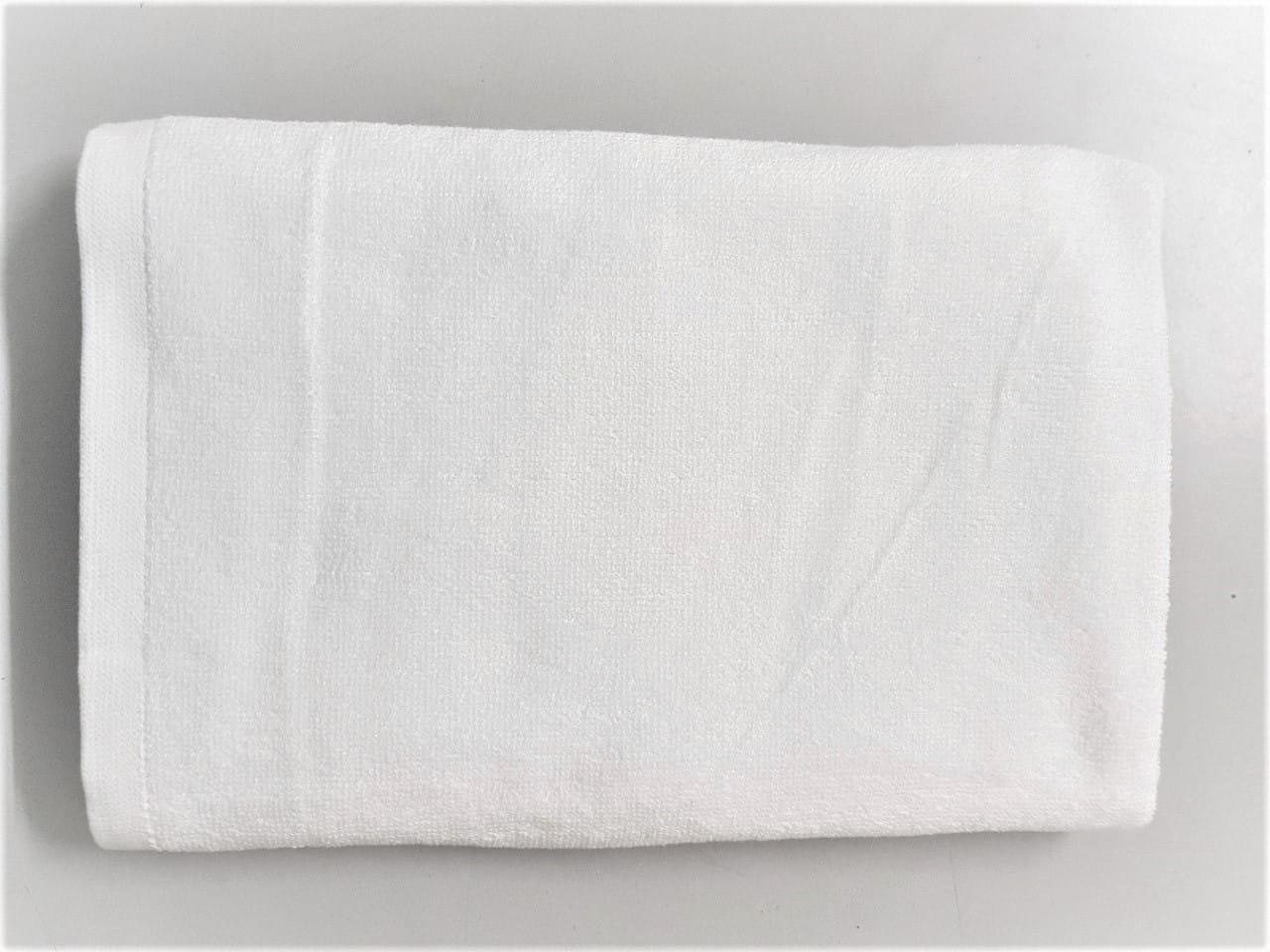 Khăn bông trắng rất dễ vệ sinh, phát hiện vết bẩn