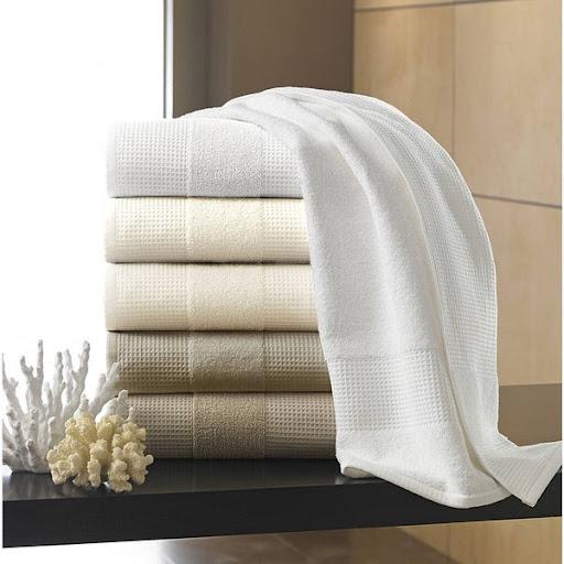 Khăn tắm khách sạn có những chất liệu nào?