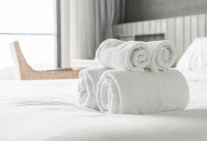 Tips làm sạch nhanh khăn trải giường spa không phải ai cũng biết