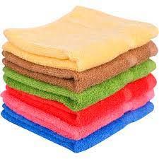 Gấp khăn mặt theo kiểu hình vuông xếp chồng lên nhau