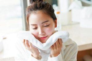 Có nên dùng khăn rửa mặt không? Sử dụng đúng cách