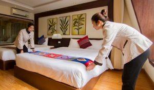 Khăn trải giường khách sạn để làm gì? 5 Ứng dụng