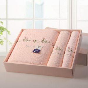 Tặng khăn có ý nghĩa gì? Vì sao nên tặng khăn cho người yêu?