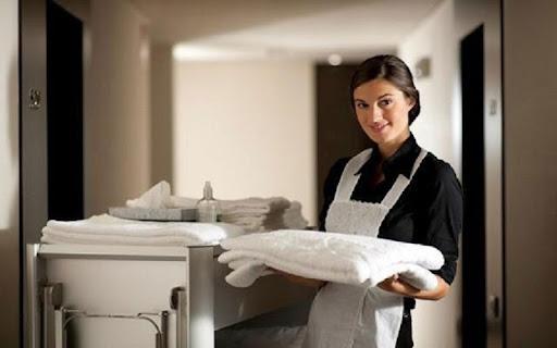 Khăn tắm khách sạn sẽ bị khô cứng sau thời gian dài sử dụng