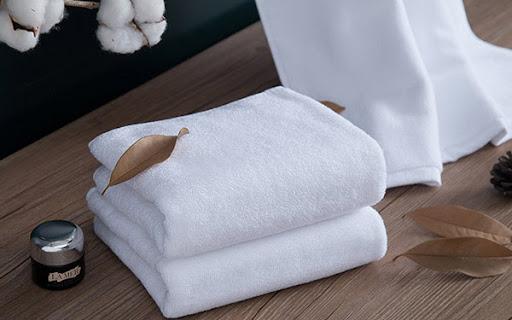 Dùng chung khăn tắm không gây lây nhiễm HIV