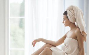 Dùng chung khăn tắm có thai không? Giải đáp thắc mắc