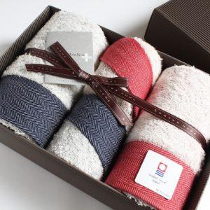 Tặng khăn tắm có ý nghĩa gì? Có nên tặng khăn tắm cho người yêu?